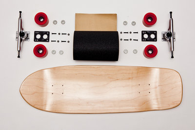 "Old school skateboard compleet 33.125"" x 10"""